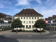 Zwischen Ende Februar und Dezember 2018 wird das Regierungsgebäude am Dorfplatz 2 in Stans umfassend saniert. (Bild: PD)
