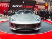Am Automobilsalon in Genf stellte der italienische Luxusautohersteller im März den neuen Ferrari GTC4 Lusso vor. (Archiv) (Bild: Keystone/SANDRO CAMPARDO)