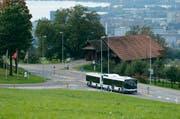 Ein Bus der Zugerland Verkehrsbetriebe unterwegs. (Bild: Neue ZZ / Stefan Kaiser (Symbolbild))