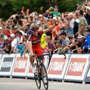 Mathias Frank will künftig für IAM Cycling jubeln. (Bild: Keystone)