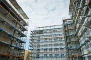 Baustelle im Kanton Luzern: Hier entstehen Mehrfamilienhäuser. (Bild: Roger Grütter)