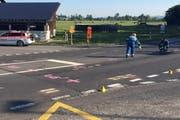 Nach dem schweren Unfall war die Spurensicherung vor Ort. (Bild: Zuger Polizei)