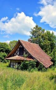 Es gehört einfach zum Neuheimer Dorfbild: das historische Riegelhüsli. (Bild Andreas Faessler)