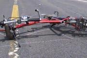 Der Velofahrer wurde bei der Kollision verletzt. (Symbolbild Neue LZ)