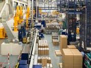 Hier wird Leim hergestellt: Baustoffproduzent Sika erwirtschaftet einen Rekordgewinn. (Archivbild) (Bild: KEYSTONE/CHRISTIAN BEUTLER)
