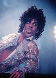 Prince bei einem Konzert seiner «Purple Rain»-Tour. (Bild: Getty (Nassau, 18. März 1985))