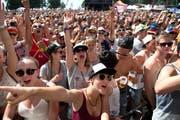 Das Heitere-Publikum beim Auftritt von «Hecht». (Bild: Eveline Beerkircher / Neue LZ)