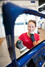 Angela Jans trainiert im Berufsbildungszentrum beim Bahnhof Luzern für die Berufs-Weltmeisterschaft. (Bild Boris Bürgisser)