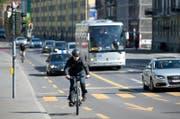 Wie viel Lärm verursacht der Verkehr auf der Tribschenstrasse? Die Behörden wollen es genauer wissen. (Bild: Eveline Beerkircher (Luzern, 17. April 2014))