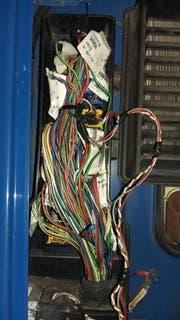 Die Adblue-Anlage des Lastwagens, welche die Fahrzeugemissionen reduziert, wurde manipuliert und war nicht funktionstüchtig. (Bild: Kantonspolizei Schwyz)