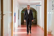 Stefan Roth, Stadtpräsident: «Wir können nicht einfach anordnen, dass die Löhne sofort veröffentlicht werden sollen.» (Bild: Dominik Wunderli / Neue LZ)