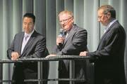 Ausmarchung der FDP für die Regierungsratswahlen 2011: Rolf Born (Mitte) bei seinem ersten Anlauf mit Robert Küng (rechts) und Andreas Heer. (Bild: Boris Bürgisser (Littau, 30. August 2010))