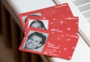 Swiss Pass: Ein Gerät zum Scannen der Daten ist im Ausland nicht vorhanden. (Bild: Keystone)
