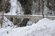 Die Schrähbachbrücke soll abgerissen und neugebaut werden. (Bild: Harry Ziegler / Neue SZ)