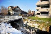 Nach den Hochwassern 2005 und 2007 wurde unter anderem an der Kernser Flüelistrasse eine neue Brücke über den Foribach mit vergrössertem Durchlass erstellt. (Bild Corinne Glanzmann)