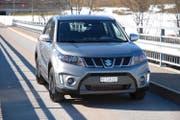 Der Suzuki Vitara Boosterjet «Sergio Cellano», zu erkennen an den rot umrahmten LED-Scheinwerfern. (Bild Heinz Schneider)