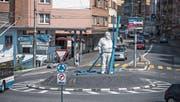 Der Kreuzstutz-Kreisel mit der Statue des ehemaligen Strassenwischers Heinz Gilli. (Bild: Nadia Schärli (Luzern, 2. August 2017))