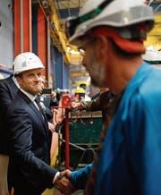 Die Arbeitsmarktreform war eines der Wahlversprechen von Präsident Emmanuel Macron . (Bild: Stephane Mahe/AP (Saint-Nazaire, 31. Mai 2017))