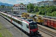 In Meggen ist einer der Bahnhöfe, die erst nach Ablauf der Frist im Jahr 2023 umgebaut werden. (Bild: Pius Amrein (Meggen, 7.7.2014))