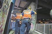 Luzerner Polizisten auf einem Patrouillengang. (Symbolbild) (Bild: Dominik Wunderli / LZ (Luzern, 26. September 2014))