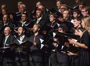 Der Konzertchor Molto Cantabile und das Berner Vokalensemble Ardent mit abwechslungsreichem Wohlklang. (Bild: Philipp Schmidli (21. Okt. 2017))
