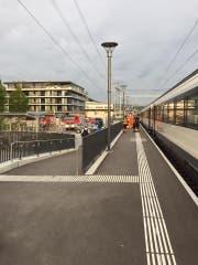 Die Rettungskräfte waren am Mittwochmorgen am Bahnhof Sempach-Neuenkirch im Einsatz. (Bild: Leserbild Felix Müri)