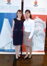 Angela Hefti (links) und Laura Ausserladscheider in Pretoria. (Bild: PD)