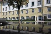 Die Mitarbeiterbefragung der Klinik Oberwil fällt nicht gut aus. (Bild: Alexandra Wey (Zug, 30. September 2011))