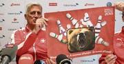 Ausflug in die Tierwelt: Nationaltrainer Vladimir Pet(z)kovic. Bild: Urs Lindt/Freshfocus (Lausanne, 21. März 2017)