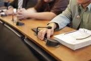 Papierberge ade: Nach der Einführung der elektronischen Wahl im Landtag soll nun auch die Sitzungsvorbereitung digital werden. (Bild: Florian Arnold / Neue UZ)