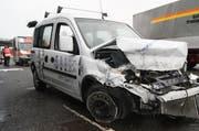 Das Auto der 47-Jährigen nach dem Unfall. (Bild: Zuger Strafverfolgungsbehörden)