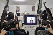 Entführervideo der palästinensischen Terrororganisation Islamischer Dschihad. (Bild: Abed Rahim Khatib/EPA)