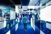 In der neu eroeffneten Media World im Verkehrshaus der Schweiz in Luzern tauchen die Besucher in eine hochvernetzte, interaktive, vierdimensionale Medienwelt ein. (Bild: PPR/Jean-Christophe Dupasquier)
