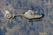 Eurocopter EC635 der Schweizer Luftwaffe über Alpnach. (Bild Robert Hess)