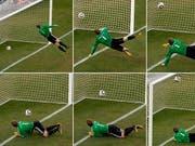 Ob ein Ball die Torlinie überschritten hat, darüber wird an der WM 2014 in Brasilien die Torlinientechnologie Aufschluss geben. (Bild: Keystone)