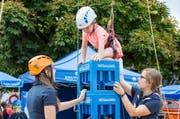 Auf Getränkekisten klettern war 2017 am Zuger Sports Festival auch bei Kindern beliebt. (Bild: Patrick Hürlimann / ZZ (Zug, 19. August 2017))