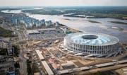 Eindrücklicher Blick von oben auf das neu gebaute WM-Stadion der russischen Stadt Nischni Nowgorod. (Bild: Mladen Antonov/Getty (Nischni Nowgorod, 26. August 2017))
