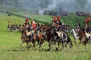Darsteller proben die grosse Schlachtdarstellung für das 200-Jahr-Jubiläum der Schlacht bei Waterloo. (Bild: PD)