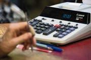 Budget im Minus, Rechnung im Plus – zahlreiche Luzerner Gemeinden haben sich verrechnet. (Bild: Getty)