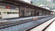 Ein erhöhtes Perron am Bahnhof Göschenen. (Bild: PD)