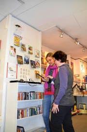 Das Bido-Verkaufspersonal ist im Umgang mit elektronischen Medien geschult. (Bild: Anian Heierli/Neue UZ)