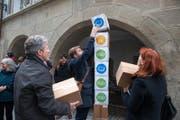 Die Initiative «Für eine hohe Bildungsqualität im Kanton Luzern» wird eingereicht. (Bild: Dominik Wunderli (Luzern, 14. November 2016))