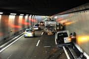 Ein Blick auf die Unfallstelle im Seelisbergtunnel. (Bild: Kapo Nidwalden)