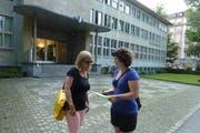 Die städtischen Grünen auf Stimmensuche vor der Zentral- und Hochschulbibliothek (ZHB). (Bild: pd)