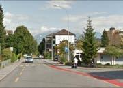 Auf der Schachenstrasse soll der Velostreifen Richtung Luzern wegfallen. (Bild: Google Maps)