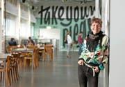 Johanna-Yasirra Kluhs an ihrem neuen Arbeitsort, dem Südpol in Kriens. (Bild: Corinne Glanzmann)