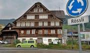 Das Gasthaus Rössli an der Luzernerstrasse in Root wird demnächst saniert und ausgebaut. (Bild Eveline Beerkircher)