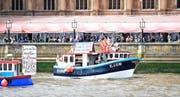 «Fischen für den Austritt»: Auf der Themse in London werben Fischer für den Austritt Grossbritanniens aus der Europäischen Union. (Bild: EPA/Facundo Arrizabalaga)