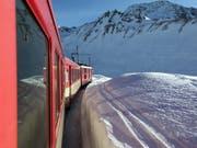 Die Strecke der Matterhorn Gotthard Bahn ist zwischen Nätschen UR und dem Oberalppass nach Graubünden wegen eines Lawinenniedergangs seit dem frühen Mittwoch unterbrochen. (Archivbild) (Bild: KEYSTONE/URS FLUEELER)