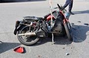 Das Motorrad erlitt erheblichen Sachschaden. (Bild: pd)